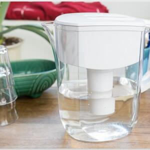 Changing a Water Pitcher Filter to Get Clean Water