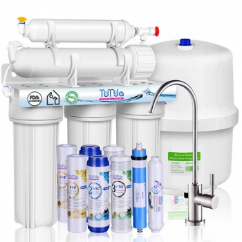 4 Advantages of Installing a Home Water Filter